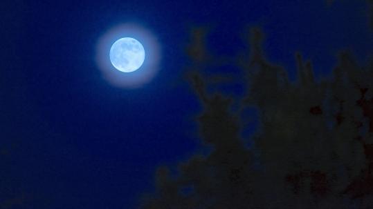 Moon & Strom Shots August 2012