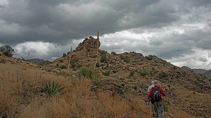 Hiking the Loop-8872_blog