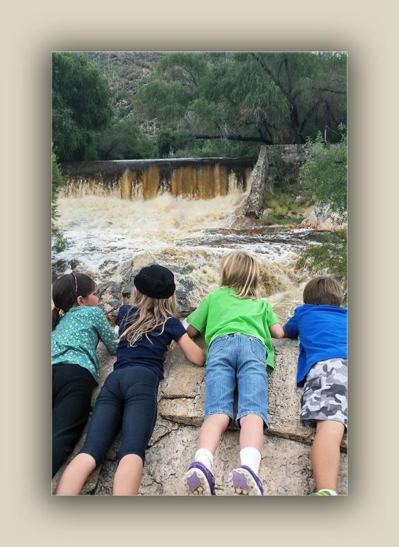 2nd graders at dam 20141009_104935 blog