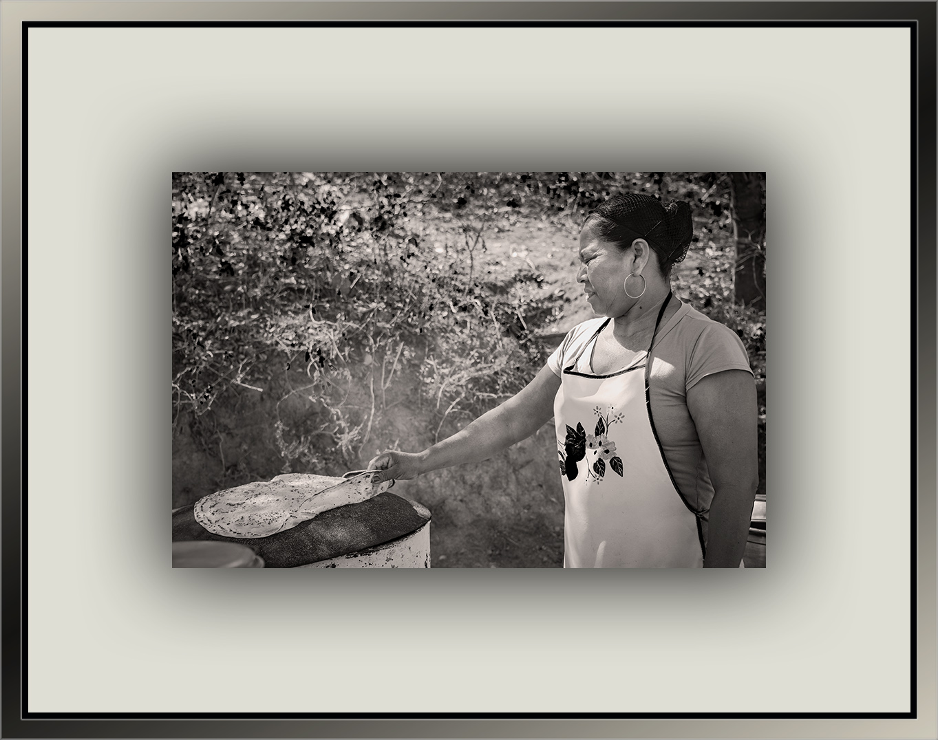 Flatbread Woman (1 of 1)-2 b&w blog