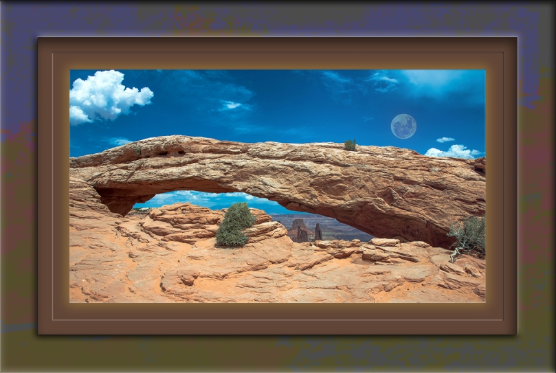 Mesa Arch Canyonlands blog moon