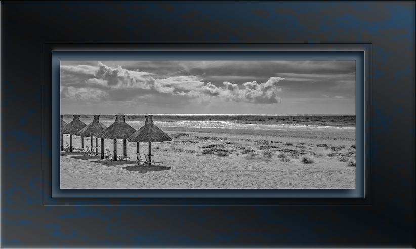 Beach-1011 B&W. blog