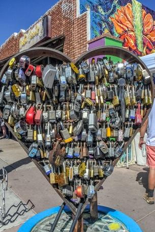 Lock-On Street Art
