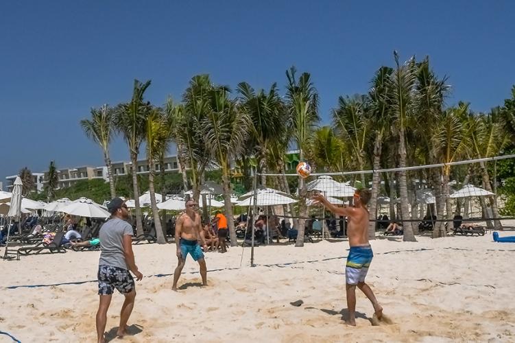 Beach Fun-10-72