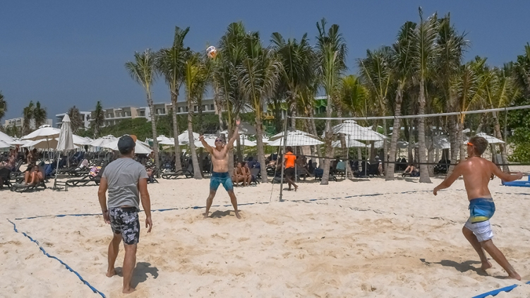 Beach Fun-9-72