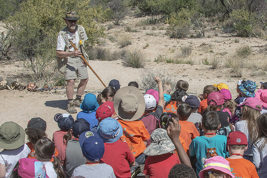 Kinder 4-19-16-0972 Naturalist Phil Bentley-2-72