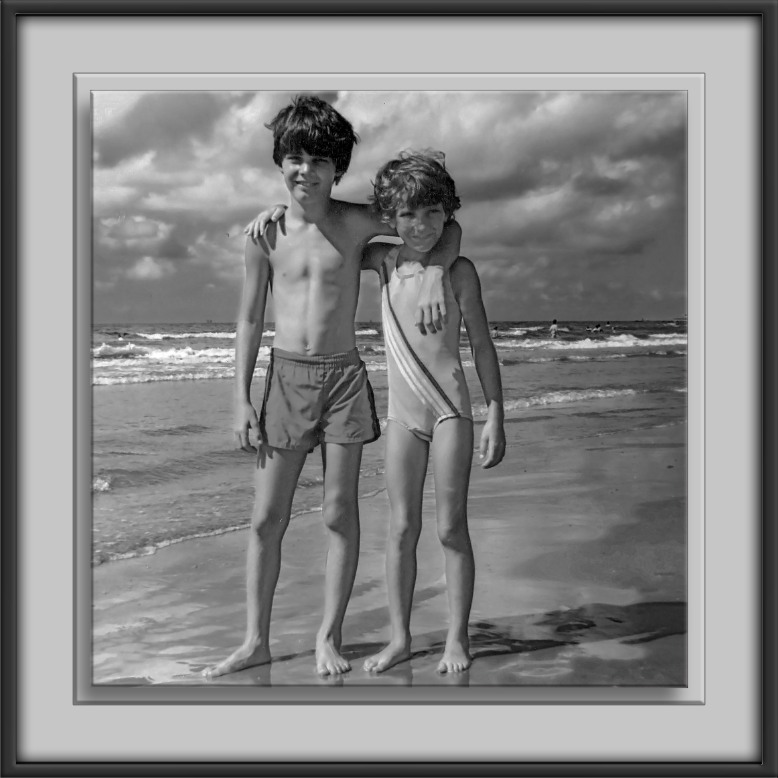 David & Kate -Galveston II-B&W-72