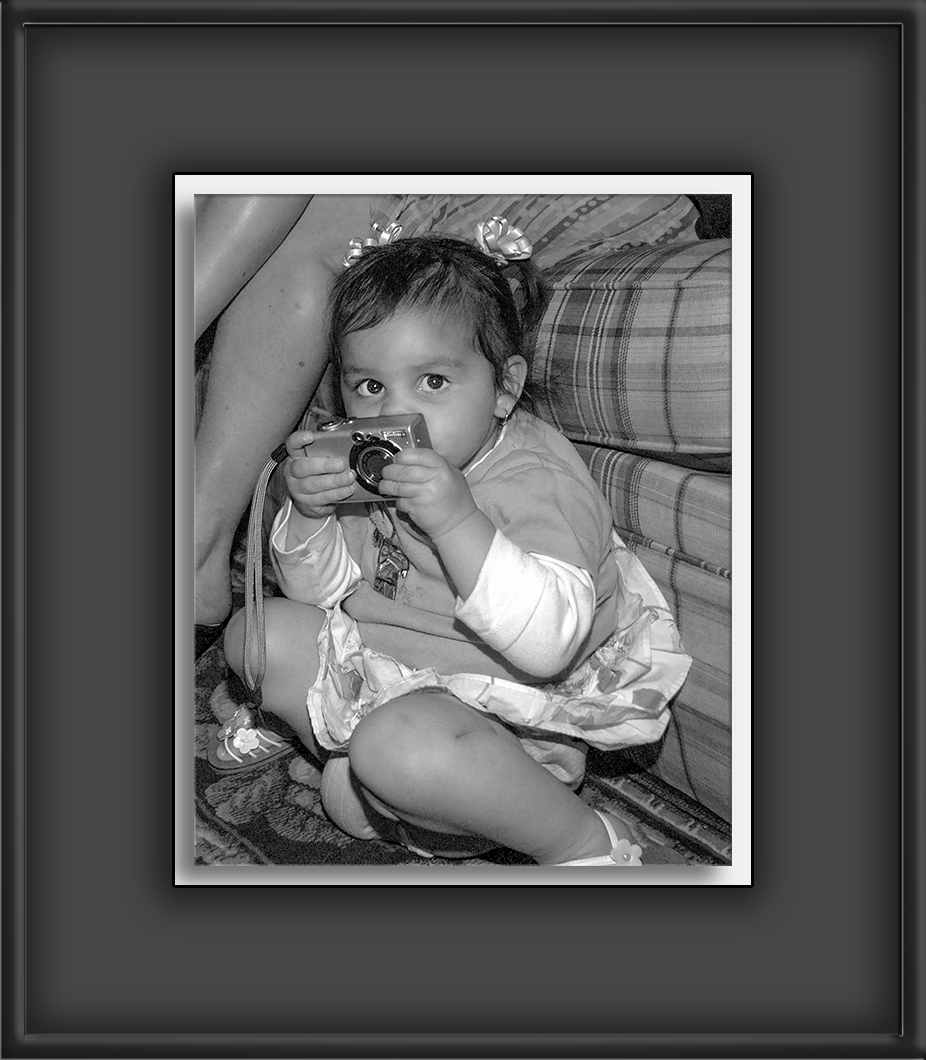 Katlyn-04-01-05-B&W-72